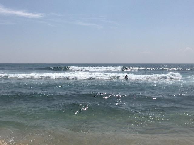 ヒッカドゥワ メインポイントの波