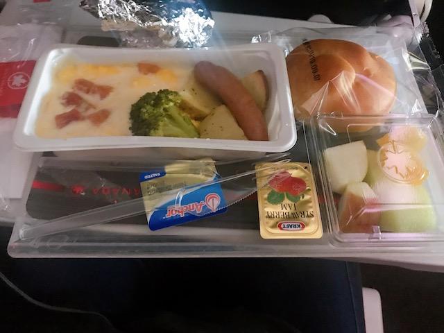 エア・カナダAC002便での朝食