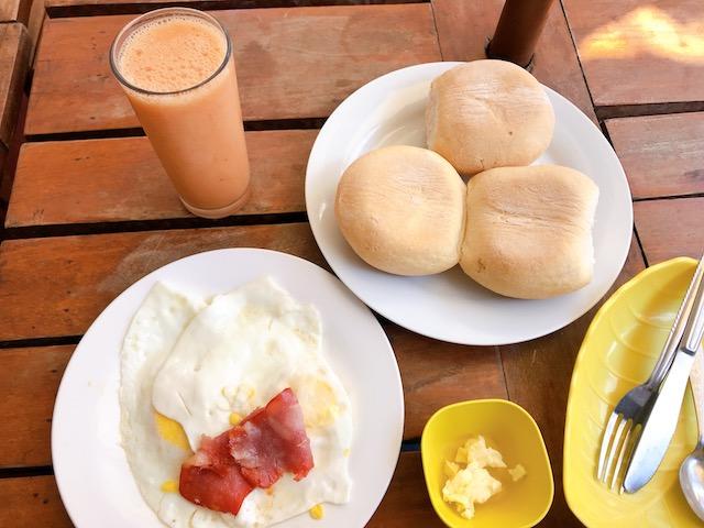 MENULANDの定番朝食、AMERICANO