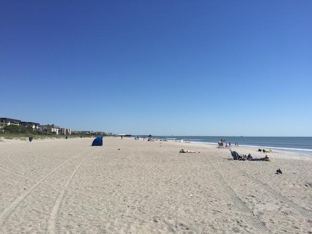 ココビーチ左の方を見る。