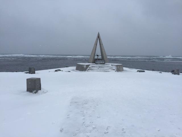 雪景色の宗谷岬。